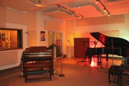 Studio B 3